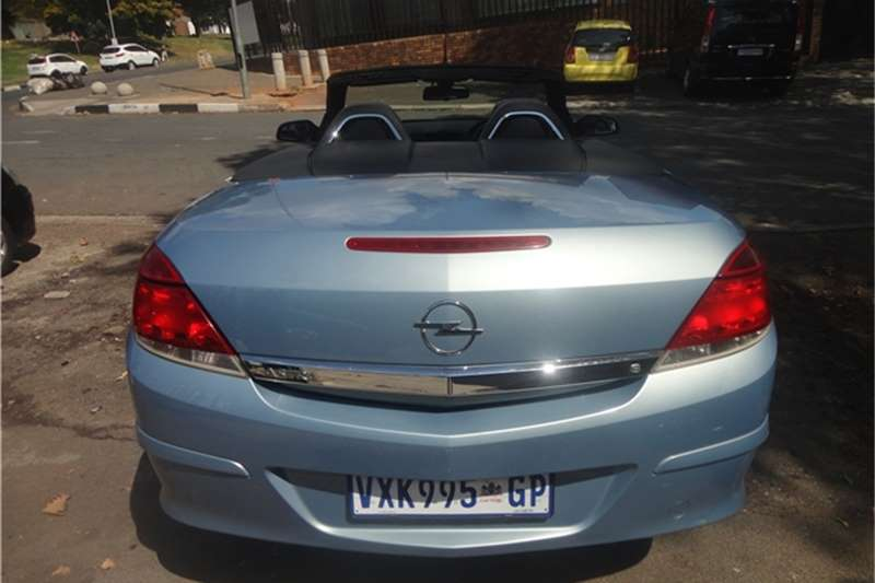 2007 opel astra 1 8 twintop enjoy 2door cars for sale in gauteng r 130 000 on auto mart. Black Bedroom Furniture Sets. Home Design Ideas