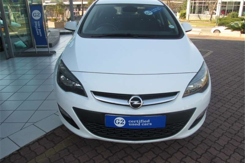 Opel Astra hatch 1.4 Turbo Enjoy 2014