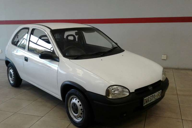 1999 opel corsa lite hatchback fwd cars for sale in northern cape r 39 995 on auto mart. Black Bedroom Furniture Sets. Home Design Ideas