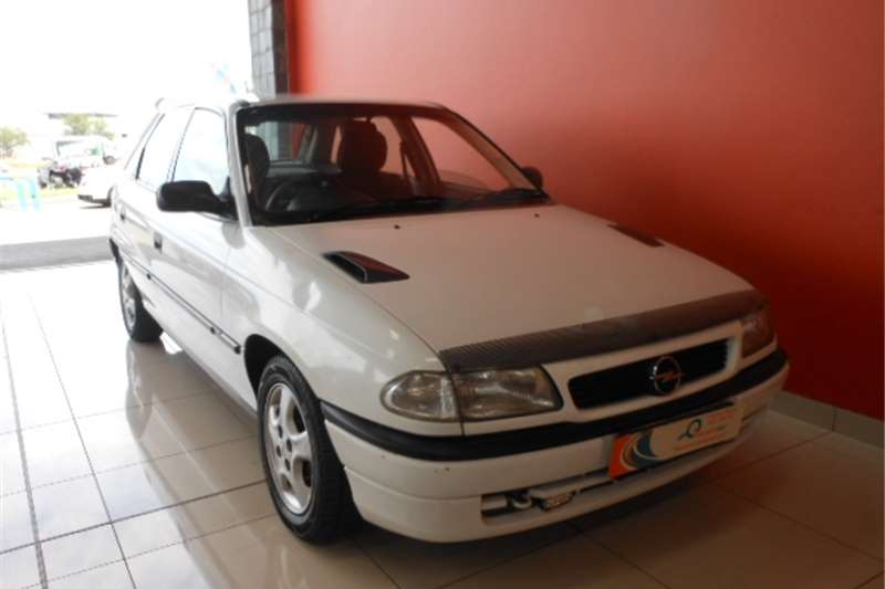 Opel Kadett 140i A/C 1997