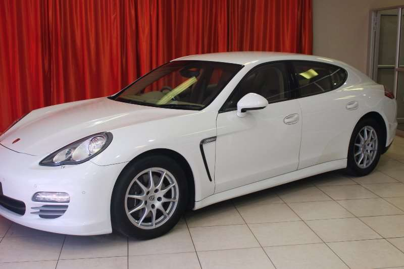 Porsche Panamera 4 2012