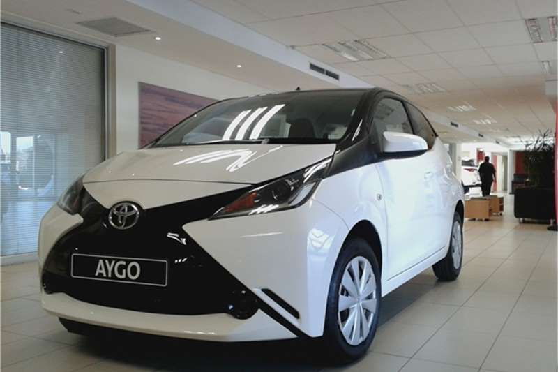 2016 toyota aygo x play black cars for sale in gauteng r 160 600 on auto mart. Black Bedroom Furniture Sets. Home Design Ideas