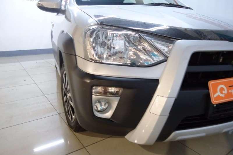 Toyota Etios Cross 2015