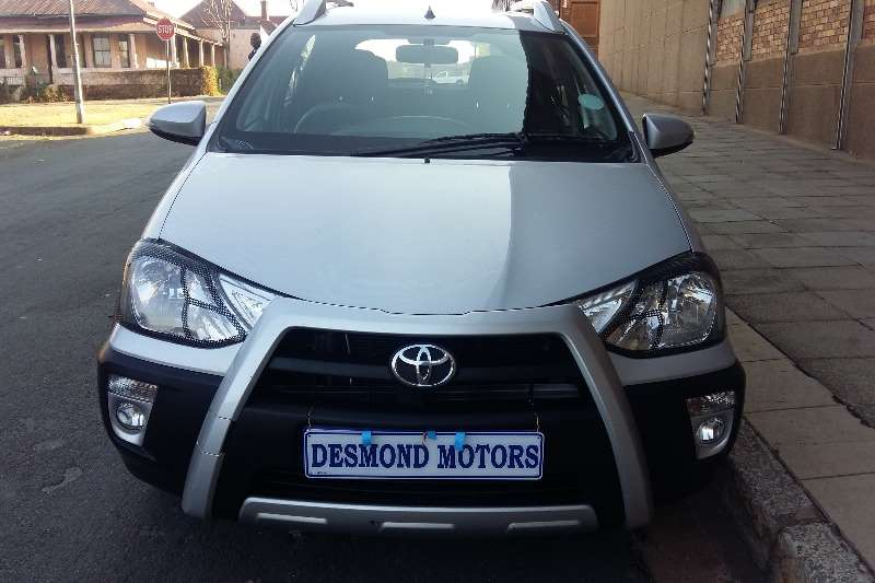 Toyota Etios Cross 5-door  1.6 2014