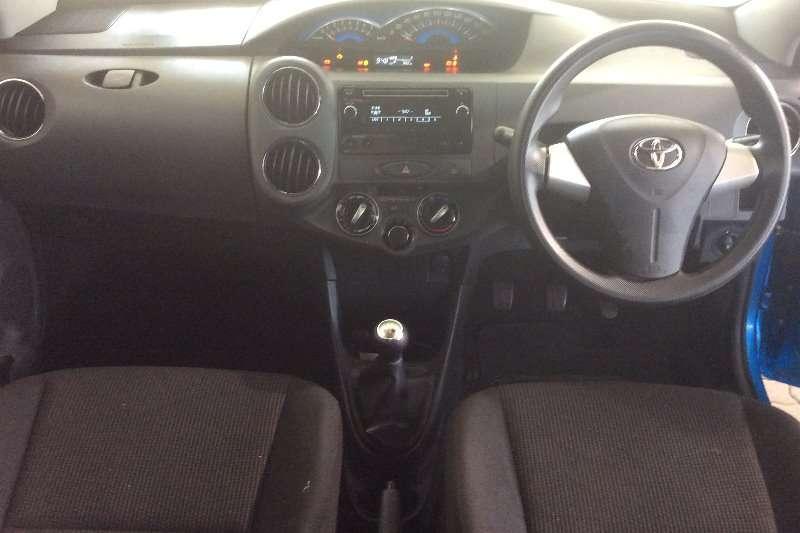 Toyota Etios sedan 1.5 Xs 2016