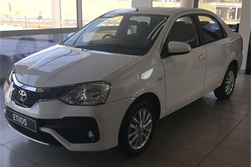 2018 Toyota Etios Sedan 1 5 Xs Sedan Fwd Cars For Sale In