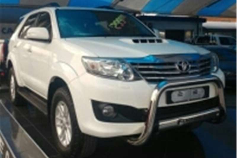 2016 Toyota Fortuner 3 0D 4D Crossover SUV Diesel RWD Manual