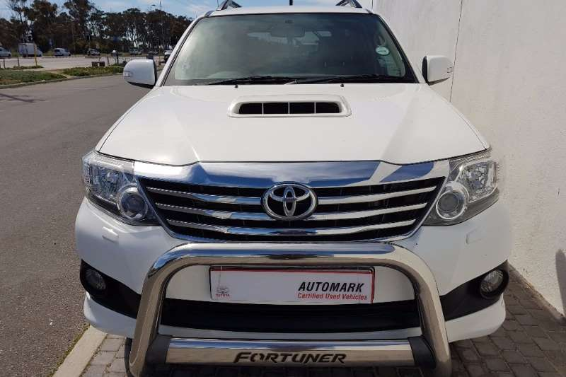 Toyota Fortuner 3.0D 4D 4x4 automatic 2012