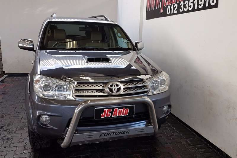 Toyota Fortuner 3.0D 4D automatic 2010