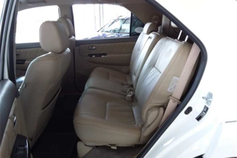 Toyota Fortuner 3.0D 4D automatic 2012