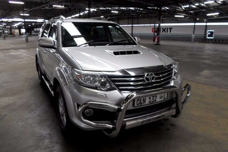 Toyota Fortuner 3.0D-4D Heritage Edition automatic 2012