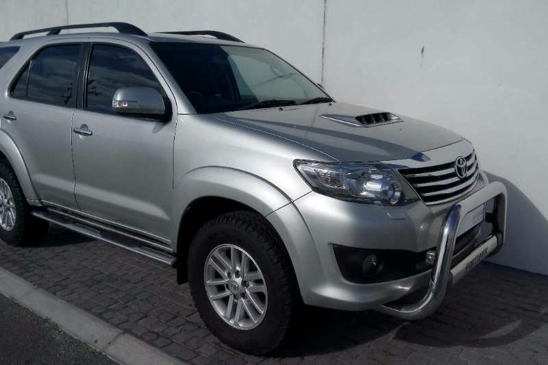 Toyota Fortuner 3.0D 4D RB Automatic 2014