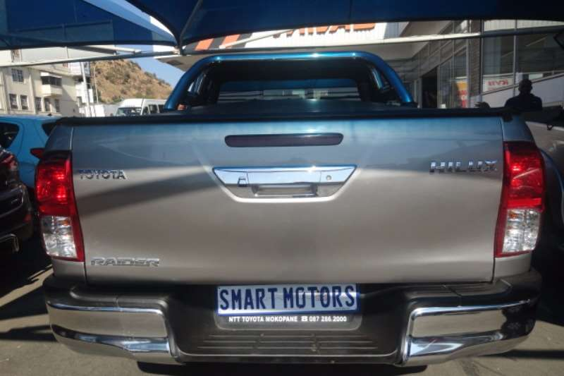 Toyota Hilux 2.4GD 6 double cab SRX 2016