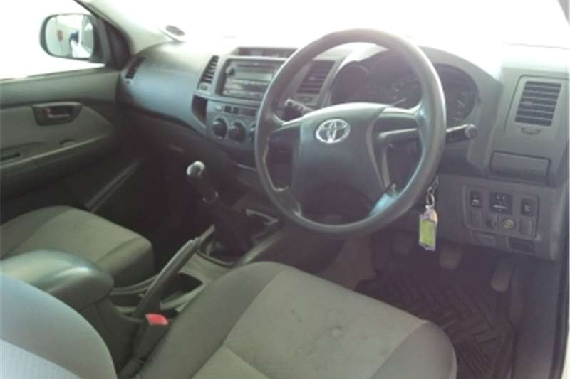 Toyota Hilux 2.5D 4D raised body SRX 2012