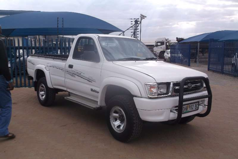 2000 Toyota Hilux 2 7 Raider Single Cab Bakkie Rwd