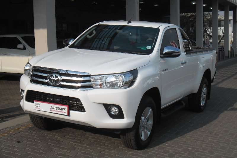Toyota Hilux 2.8GD-6 4x4 Raider 2016
