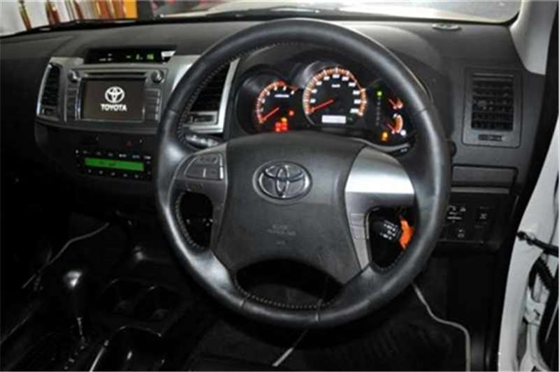 Toyota Hilux 3.0D 4D double cab Raider Legend 45 auto 2015
