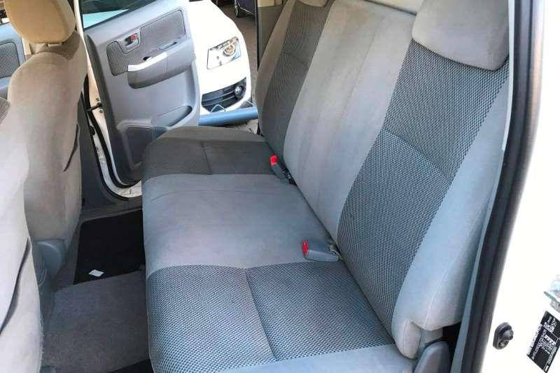 Toyota Hilux 4.0 V6 double cab 4x4 Raider 2011