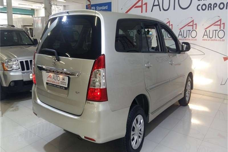 Toyota Innova 2.7 8 seater 2012