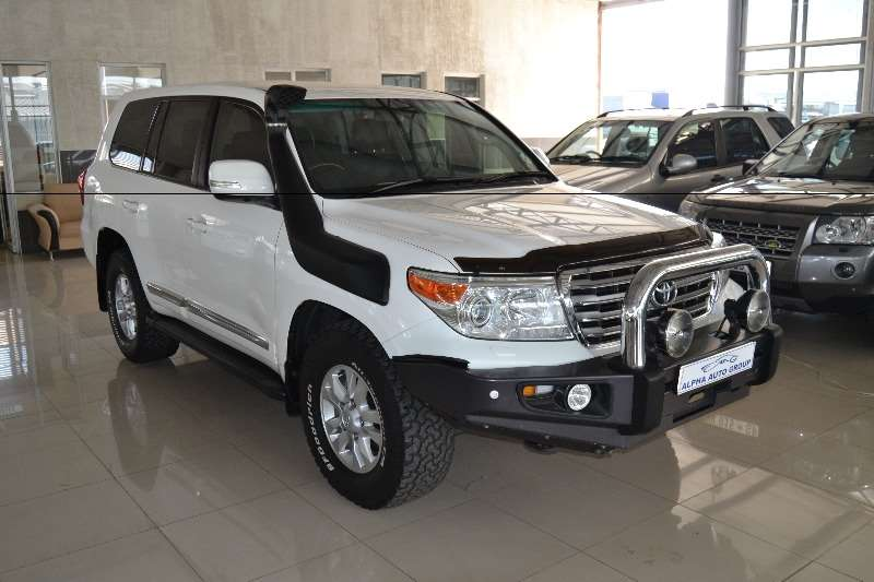 2014 toyota land cruiser 200 4 5d 4d v8 vx crossover suv diesel awd automatic cars for. Black Bedroom Furniture Sets. Home Design Ideas