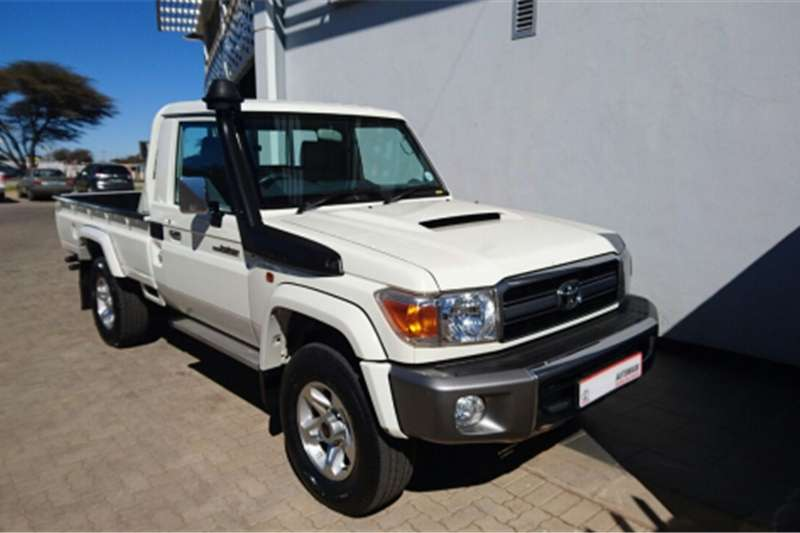 2015 toyota land cruiser 4 5 v8 turbo diesel s c cars for sale in north west r 489 995 on auto. Black Bedroom Furniture Sets. Home Design Ideas