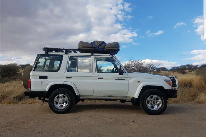 2007 toyota land cruiser 70 series station wagon 4 2 cars for sale in gauteng r 299 000 on. Black Bedroom Furniture Sets. Home Design Ideas