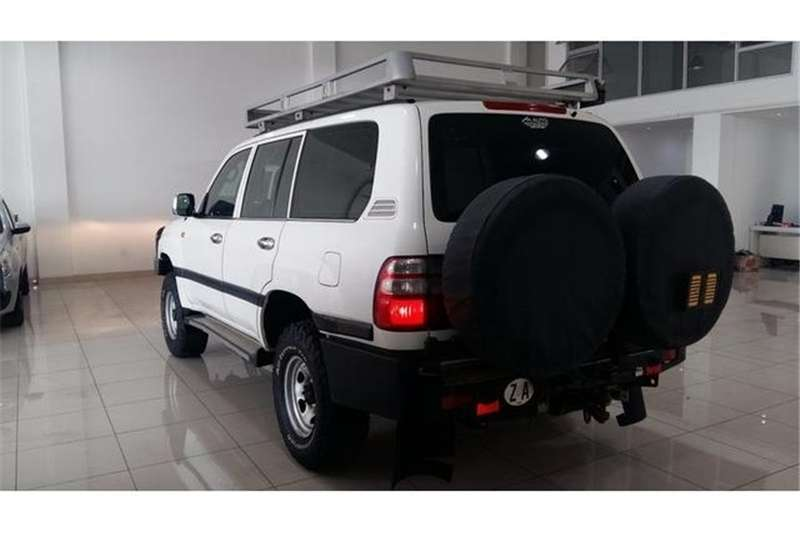 Toyota Land Cruiser 76 4.2D station wagon 60th Edition 2006