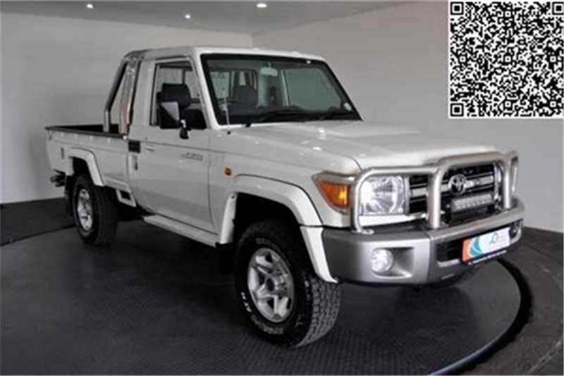 Toyota Land Cruiser 79 4.0 V6 2016