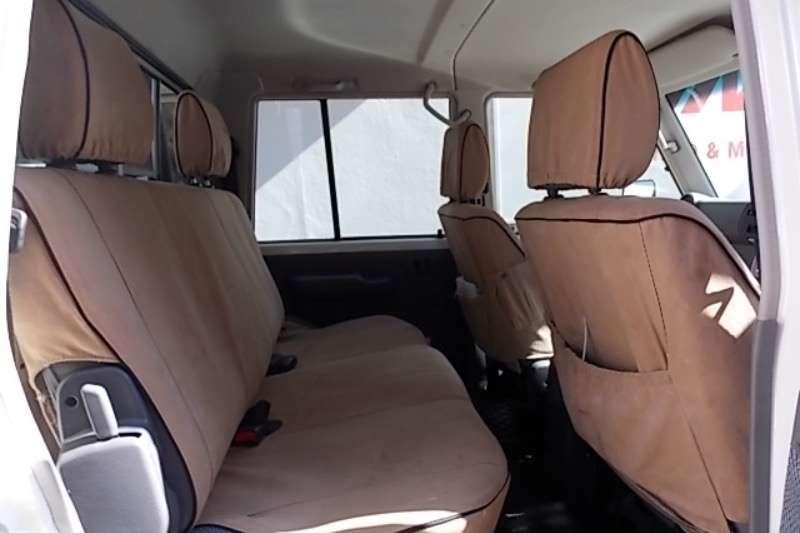 Toyota Land Cruiser 79 4.5D 4D LX V8 2015
