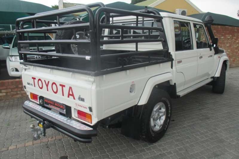 Toyota Land Cruiser 79 4.5D 4D LX V8 double cab 2015