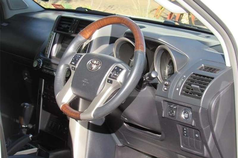 Toyota Land Cruiser Prado 4.0 VX 2011