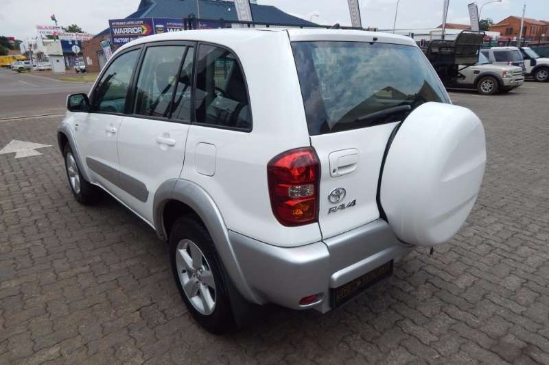 2005 toyota rav4 rav4 180 5 door crossover suv fwd cars for sale in gauteng r 129 900 on. Black Bedroom Furniture Sets. Home Design Ideas