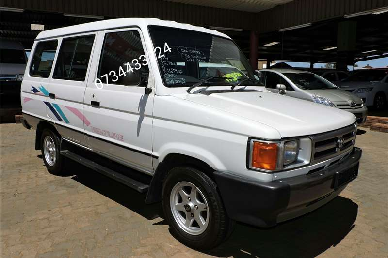 1994 toyota venture 2200 gle 10 seater cars for sale in gauteng r 170 000 on auto mart. Black Bedroom Furniture Sets. Home Design Ideas