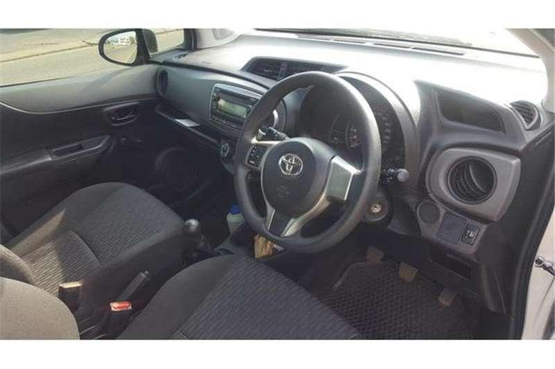 Toyota Yaris 5 door 1.0 XR 2013