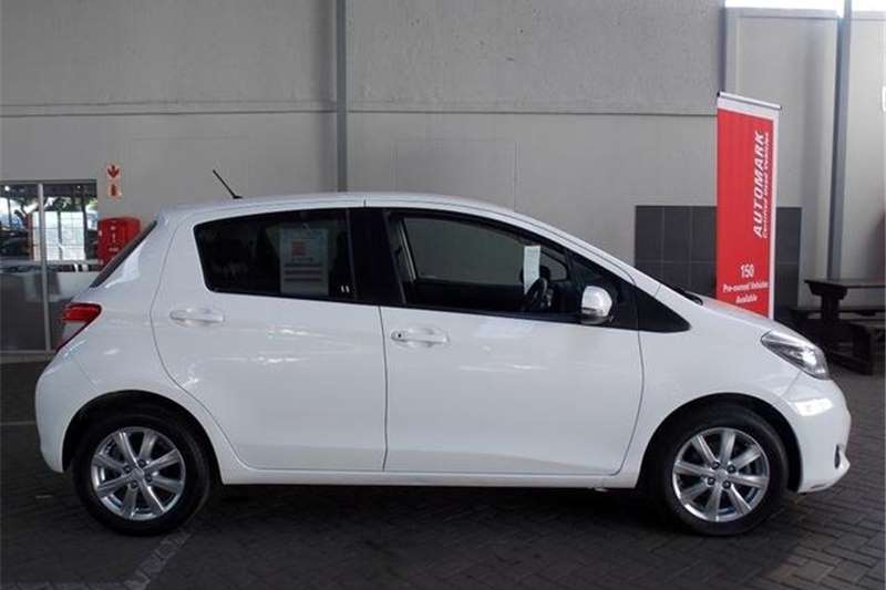 Toyota Yaris 5 door 1.3 XS 2014