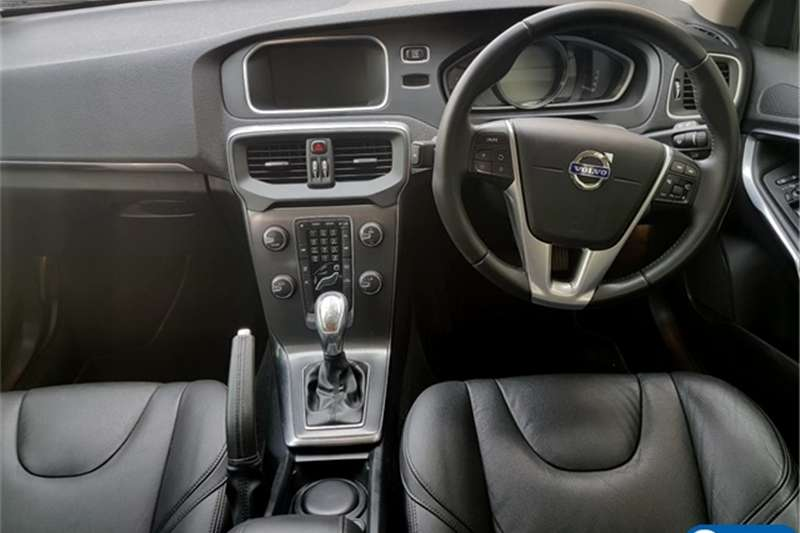 Volvo Cross Country V40  D3 Elite 2013