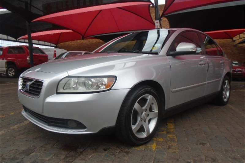 760722456848064512 furthermore Volvo S40 2 0d Elite Powershift 2010 Id 2480360 in addition Automatic Moveable Aluminum Window Shutter Louvered Window 592664 likewise Ghost Type Pokemon Pictures in addition 19358 0. on electric sun verified