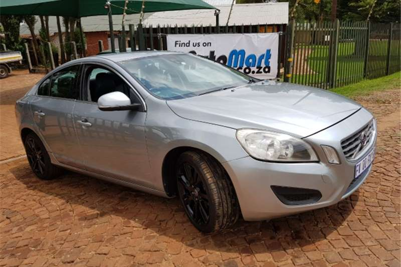 Volvo S60 2.0T automatic 2011