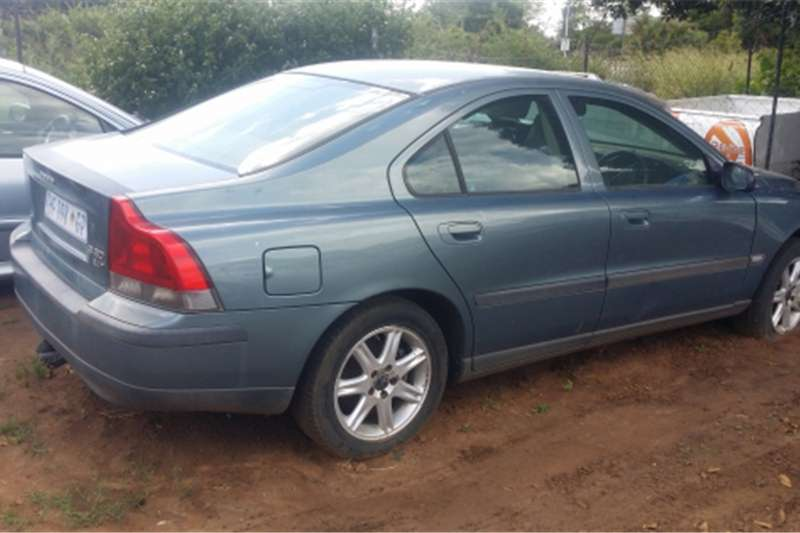 2004 volvo s60 2 4t a t cars for sale in gauteng r 22 000 on auto mart. Black Bedroom Furniture Sets. Home Design Ideas