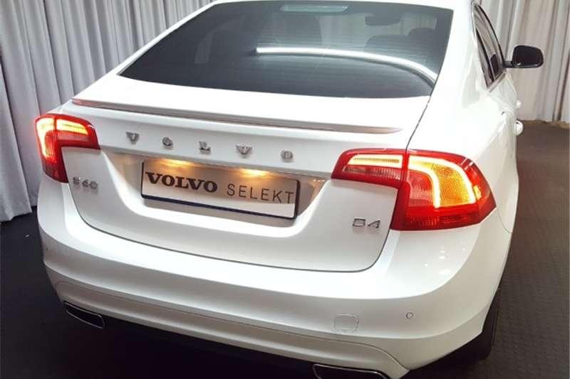 Volvo S60 D4 Momentum 2017