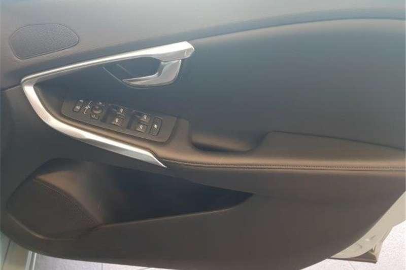 Volvo V40 T3 Momentum 2016