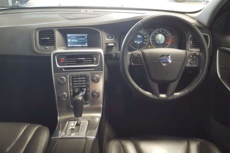 Volvo V60 T5 Excel auto 2011