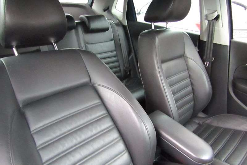 2016 vw polo 1 2tsi highline leather seats xenon lights park di cars for sale in gauteng r 235. Black Bedroom Furniture Sets. Home Design Ideas