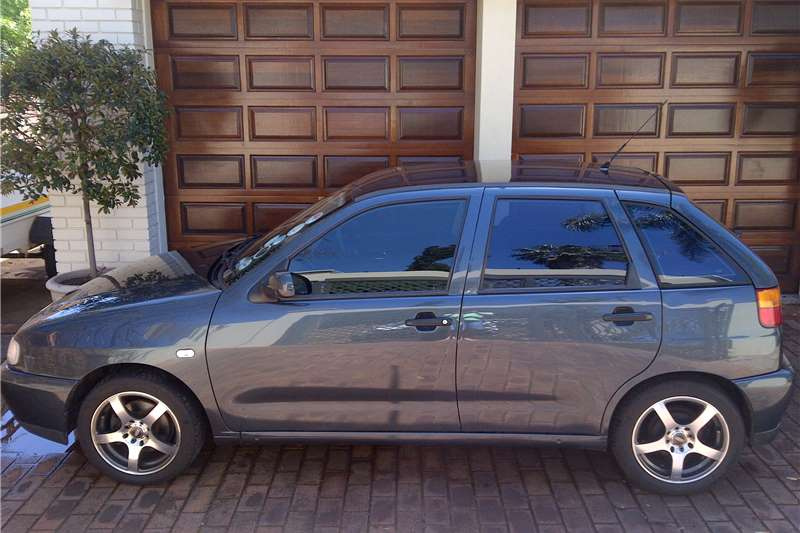 2002 vw polo playa 1 8 cars for sale in gauteng r 48 000 on auto mart. Black Bedroom Furniture Sets. Home Design Ideas