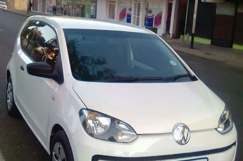 VW Up! cross  5 door 1.0 2015