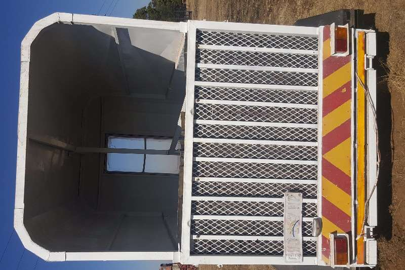 Other Horse Box with papers Agricultural trailers