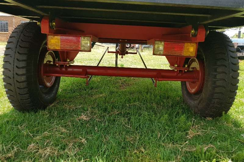 Tipper trailer New 5 ton Tip Trailer with brakes and backlights Agricultural trailers