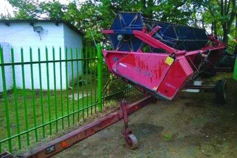 Case 1030 Wheat head and trailer-