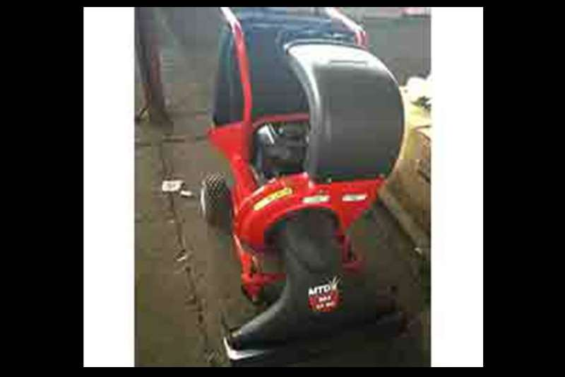 Other chippers MTD VACUUM CHIPPER Chippers