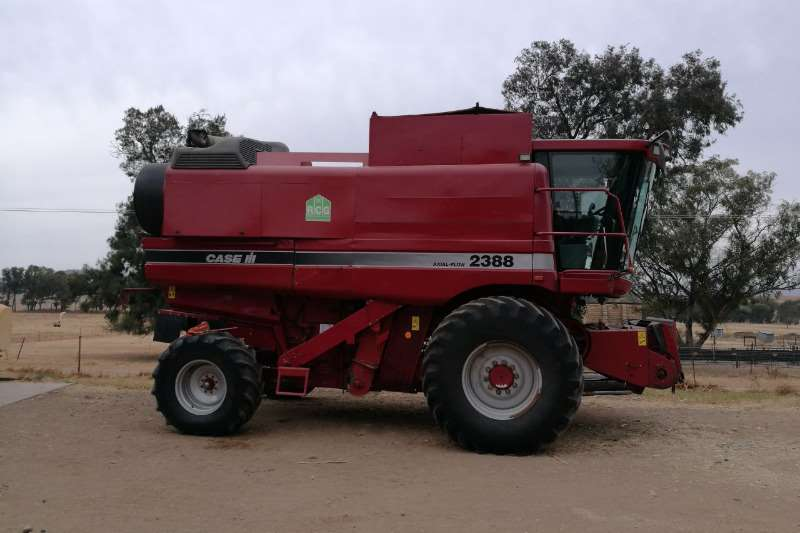 Combine Harvesters and Harvesting Equipment Case 2008 Case 2388 Stroper 2008